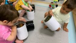 Protegido: Aula de bebés: jugar con botes